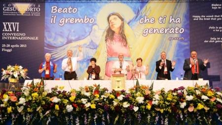 LA MATERNIDAD ESPIRITUAL. EL VIENTRE DE MARÍA, VIRGEN Y MADRE. – reflexión Congreso Internacional 2013