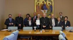 (Italiano) Decreto di approvazione definitiva dello Statuto Internazionale della Comunità Gesù Risorto