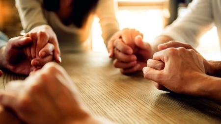 (Italiano) Uniti in preghiera
