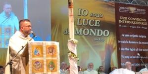 (Italiano) Diretta Streaming Corso Internazionale per i Giovani – S. Messa 3 novembre