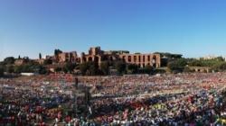 (Italiano) Papa Francesco incontra i giovani italiani al Circo Massimo